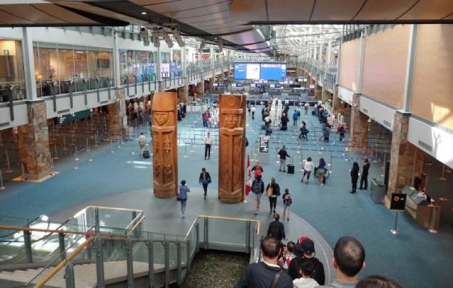 バンクーバー空港の入国審査について